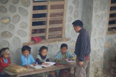 à l'école de Chyaksa