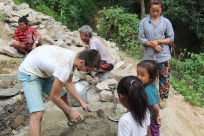 L'association Araucaria soutien un projet humanitaire dans le village de Damphe au Népal porté par quatre jeunes scouts